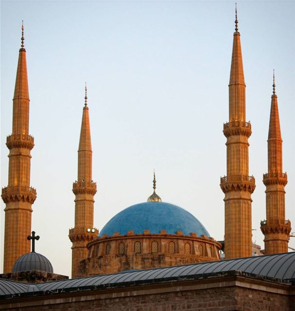 picoftheday morning thursday lebanon beirut mybeirut sun blue mosque... (Beirut, Lebanon)